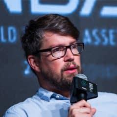 Lasse Clausen – Perlin Adivosry Board-