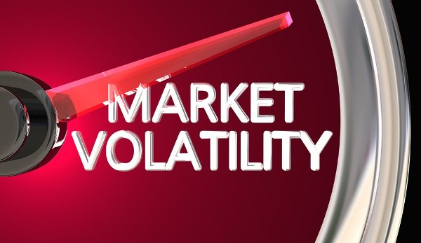 The lowest Bitcoin volatility since May 2017: Is it time for a move? (Updated)