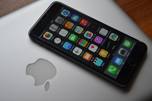 Wall Street Reports Week: Apple (AAPL) Gains 6% Following Earnings Report – Better Than Feared Returns in Services Unit