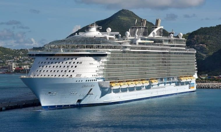 Oasis_of_the_Seas3