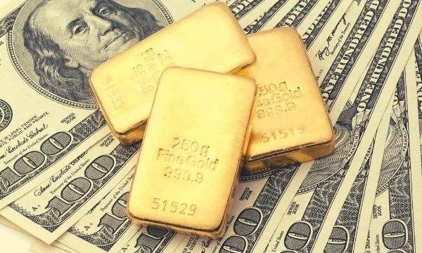 Story of a Safe Haven: Why Investors Flock to Gold During a Recession