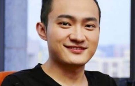 TRON's Founder, Justin Sun, Apologizes For Overpromoting Buffett's $4.6M Charity Lunch