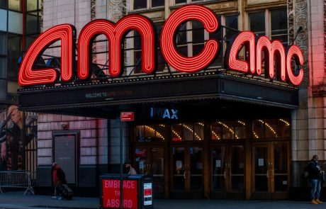 Apart From Bitcoin: AMC Theatres to Accept ETH, LTC, and BCH as Payments, CEO Says