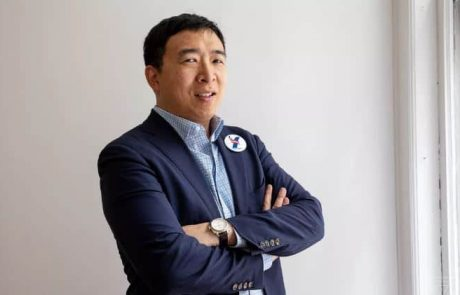 Pro Cryptocurrency US Presidential Candidate Andrew Yang Suspends His 2020 Campaign