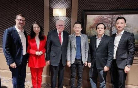 Yoni Assia, eToro's CEO: Despite The Dinner, Warren Buffett Is Still Not a Fan of Bitcoin, But Understands The Potential Of Blockchain (Exclusive)