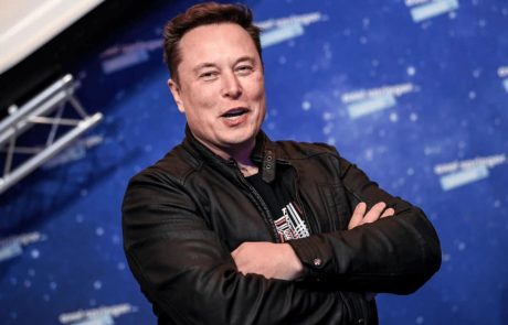 South African Billionaire: Elon Musk Manipulates Bitcoin's Price For His Own Benefit
