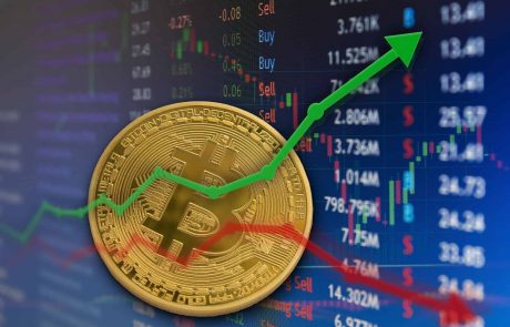 Bitcoin Breakout Imminent: Chart Patterns Suggest Institutional Buying