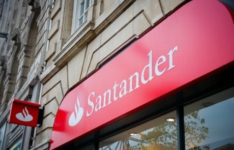 Breaking: Santander UK Reportedly Halts Coinbase Payments