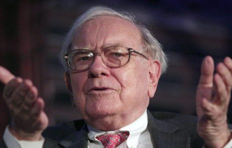 Max Keiser: Warren Buffett Will Start Panic-buying Bitcoin at $50,000, Just like Peter Schiff